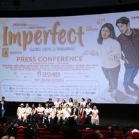 Prescon film Imperfect: Karir, Cinta & Timbangan, di Bioskop XXI Epicentrum Walk, Kuningan, Jakarta Selatan, Selasa (10/12/2019). (Daniel Kampua/Fimela.com)