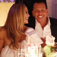 Jennifer Lopez dan Alex Rodriguez bertunangan (Instagram/arod)