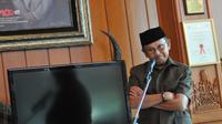 "BJ Habibie saat menjadi narasumber bersama di acara dialog yang bertajuk ""Mengawal perwujudan amanat UUD 1945, mencerdaskan kehidupan bangsa"", Jakarta, Minggu (24/5/2015). (Liputan6.com/Herman Zakharia)"