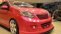 Toyota Agya pink milik Adelia Ika (Istimewa)