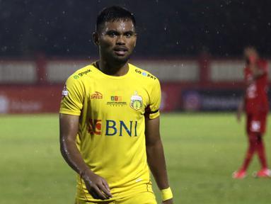 5. Saddil Ramdani (Bhayangkara FC) - Pemain berumur 21 tahun ini merupakan winger lincah langganan Timnas Indonesia. Saddil memiliki ketajaman dan naluri mencetak gol yang sangat baik. (Bola.com/Yoppy Renato)