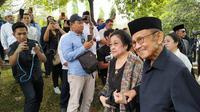 Megawati Soekarnoputri beri penghormatan terakhir untuk Ani Yudhoyono (dok. merdeka.com)
