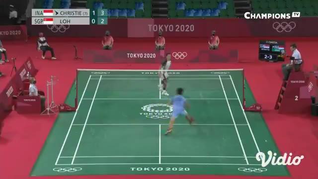 Tunggal putra bulu tangkis Jonatan Christie kalahkan tunggal Singapora Loh Kean Yew dalam 3 set dengan skor 22-20, 13-21, dan 21-18. Kemenangan ini membuat Jonatan bisa lanjut berlaga di babak 16 besar.