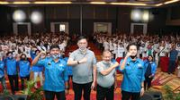 Ribuan milenial Sumatera Barat (Sumbar) mendeklarasikan dukungan untuk Cagub-Cawagub Sumbar, Mulyadi dan Ali Mukhni di Padang Convention Center (PCC), Minggu (16/8/2020). (Ist)