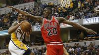 Chicago Bulls resmi melepas Toni Snell (20) ke Milwaukee Bucks pada bursa transfer NBA 2016-17. (USA TODAY Sports via Reuters/Brian Spurlock)
