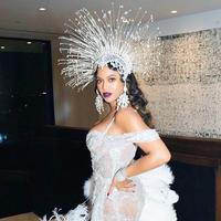 Beyonce pakai headpiece Rinaldy Yunardi (Instagram @rinaldyyunardi)