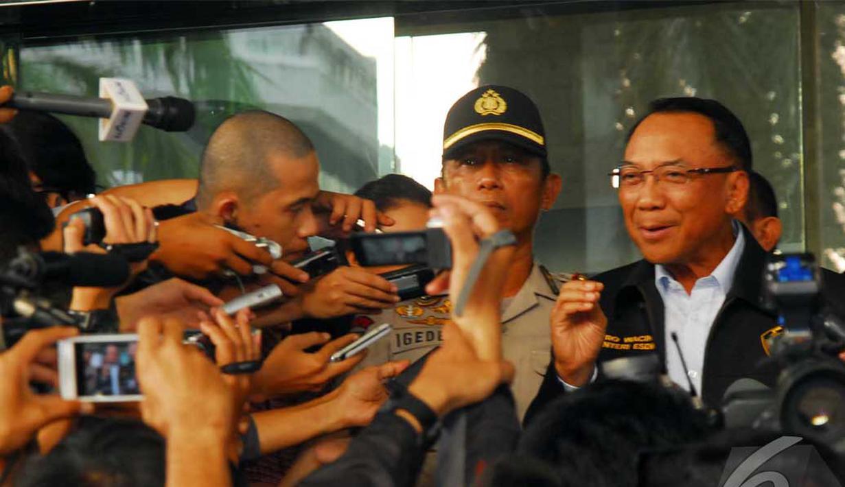 Menteri Energi dan Sumber Daya Mineral Jero Wacik memenuhi panggilan KPK, Jakarta, Senin (9/6/2014) (Liputan6.com/Miftahul Hayat)
