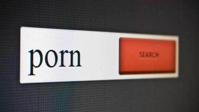 Situs Ini Bakal Bayar Kamu Kalau Nonton Film Porno, Tertarik