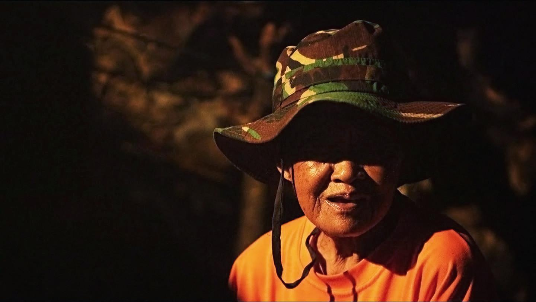 Mbah Kijem, Perempuan yang Menetap di Gua Langse Sejak 1968 (Liputan6.com/Balgoraszky Arsitide Marbun)