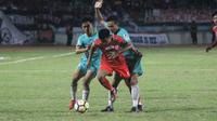 Persis Solo mengalahkan Persik Kendal, 1-0, pada laga Grup Barat Liga 2 2018, Stadion Wilis, Kota Madiun, Senin (24/9/2018). (Bola.com/Ronald Seger)