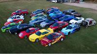 seorang pria bernama Jorge berhasil mengkoleksi 24 replika mobil yang digunakan dalam film Fast and Furious. (Carscoops)