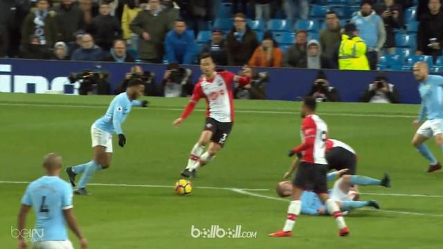 Berita video highlights Premier League 2017-2018, Manchester City vs Southampton, Kamis (30/11/2017). This video presented by BallBall.