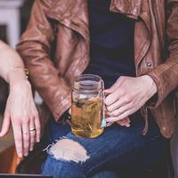 Minum teh baik untuk kesehatan jantung (Photo by Matthew Henry on Unsplash)