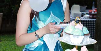 Penyanyi Nindy Ayunda Jumat (29/1/2016) merayakan ulang tahunnya ke-27 tahun. Perayaan ini mundur dari hari lahirnya Nindy tanggal 10 Januari. (Deki Prayoga/Bintang.com)