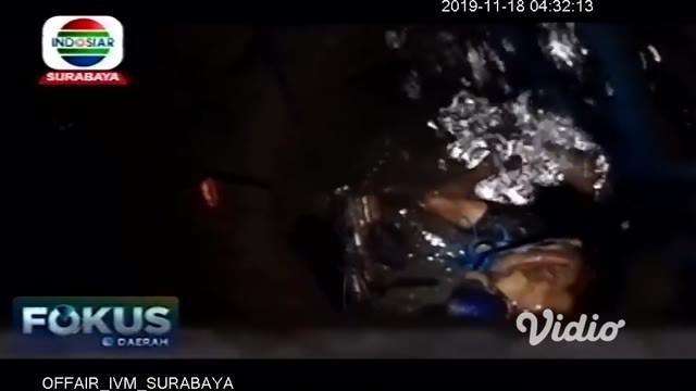 Petugas gabungan dari Badan Penanggulangan Bencana Daerah (BPBD) Kabupaten Blitar, Jawa Timur, TNI, Polisi, Tim Basarnas, hingga relawan lainnya berhasil mengevakuasi seorang pria yang terjebak dalam sumur selama enam jam.