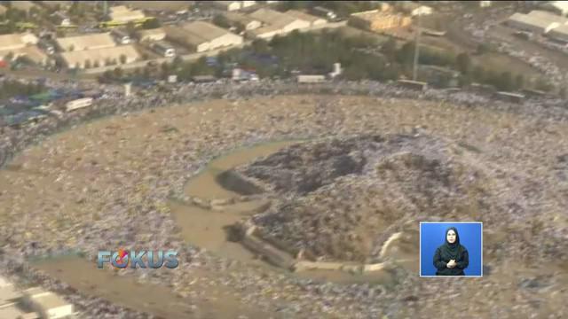Kurang lebih 2 juta jemaah dari seluruh dunia melaksanakan ibadah wukuf di Padang Arafah.
