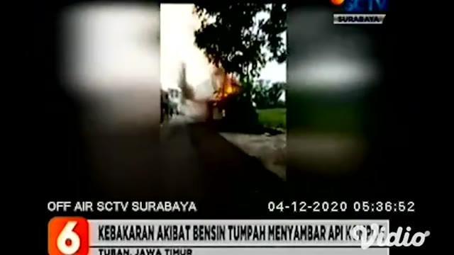 Warung kopi dan kios di Tuban, Jawa Timur, terekam video amatir telah ludes dilalap si jago merah. Kebakaran berawal saat pemilik warung dan kios tersebut hendak meracik kopi, tidak sengaja kakinya menyenggol botol berisi bensin hingga tumpah.