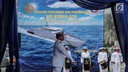 Kasal Laksamana TNI Ade Supandi meresmikan armada baru KRI Kurau 856, Jakarta, Kamis (6/7).  Direncanakan dari total 42 unit akan memenuhi kebutuhan armada baru bagi 14 Lantamal TNI AL di seluruh Indonesia. (Liputan6.com/Faizal Fanani)