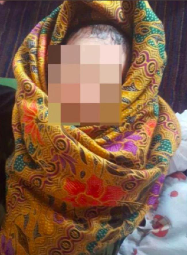 Seorang gadis muda sembunyikan bayinya yang baru lahir di sebuah lemari.  Source: Berita Harian / bharian.com.my