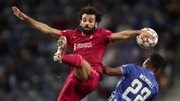 Mohamed Salah. Striker Mesir berusia 29 tahun yang telah memperkuat Liverpool dalam 5 musim sejak 2017/2018 ini telah mencetak 9 gol musim ini. Rinciannya adalah 6 gol dari 7 laga di Premier League dan 3 gol dari 2 laga di Liga Champions. (AP/Luis Vieira)
