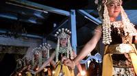 Bedaya Rimbe, tarian klasik khas Keraton Kanoman Cirebon, memeriahkan Festival Keraton Nusantara XI. (Liputan6.com/Panji Prayitno)