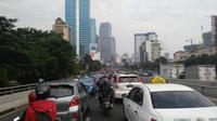 Macet Flyover Kuningan arah Senayan (Liputan6.com/Shinta Sinaga)