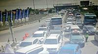 Suasana kepadatan lalu lintas di Tol Cipali, Kamis (30/5/2019). (foto: akun twitter TMC Polda Metro Jaya)