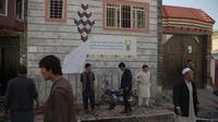 Bom Bunuh Diri Hancurkan Pusat Pendaftaran Pemilu Afghanistan, 31 Orang Tewas (SHAH MARAI / AFP)