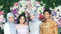 Zaskia Sungkar, adik-adiknya serta adik iparnya. (instagram/yofina)