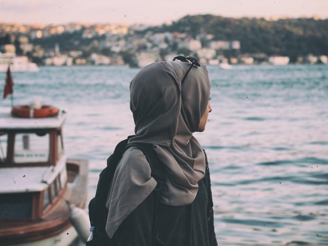 30 Kata Kata Muslimah Jatuh Cinta Yang Sarat Makna Hot Liputan6 Com