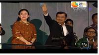 Wakil Presiden RI, Jusuf Kalla bersama Puan Maharani, Menko PMK saat closing ceremony Asian Games 2018, di GBK, Minggu (2/9). (Vidio.com)