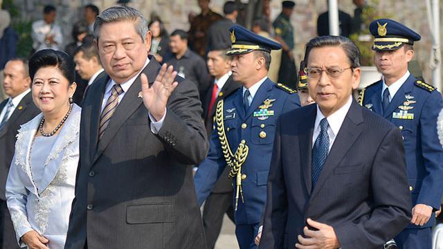 Presiden Susilo Bambang Yudhoyono dan wakil presiden Boediono hari ini melaksanakan sholat Idul Adha 1435 Hijriah.