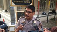 Kabid Humas Polda Jateng Kombes Djarod Padakova saat memberi keterangan tewasnya Kapolsek Karangsembung Ipda Nyariman. (Liputan6.com/Felek Wahyu)