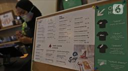 Menu hidangan di Sunyi House of Coffee and Hope, Jakarta, Jumat (15/1/2021). Rumah kopi ini unik tak cuma desainnya instagramable, tapi juga punya poin plus mempekerjakan difabel. (Liputan6.com/Herman Zakharia)