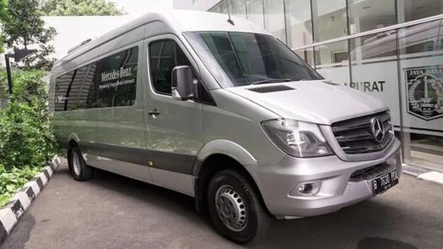 Mercedes Benz Donasikan Sprinter Van Untuk Dijadikan Ambulans Otomotif Liputan6 Com