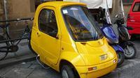 Mobil mini tidak memiliki tenaga layaknya pikap ataupun kemampuan lari supercar. Tapi, mobil mini tetaplah istimewa (Foto: http://www.carcrushing.com/)