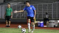 Pemain Timnas Indonesia, Evan Dimas, saat latihan di Stadion Madya, Jakarta, Selasa (11/5/2021). Latihan tersebut untuk persiapan jelang Kualifikasi Piala Dunia 2022 Zona Asia. (Foto: Bola.com/M Iqbal Ichsan)