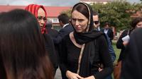 Perdana Menteri (PM) Selandia Baru Jacinda Ardern sambangi Canterbury Refugee Centre di Christchurch, 16 March 2019. (MARTY MELVILLE / AFP)