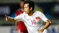 Gawang Timnas Indonesia dibobol pemain Vietnam, Nguyen Van Quyet, dalam laga leg pertama semifinal Piala AFF 2016 di Stadion Pakansari, Bogor, Sabtu (3/12/2016). (Bola.com/Peksi Cahyo)