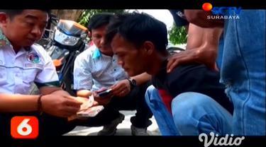 Sepintar-pintarnya Budi menyembunyikan narkotika jenis sabu, akhirnya ketahuan juga. Saat ditangkap polisi, Budi mencoba mengelabui polisi dengan menyembunyikan sabu di celana dalamnya.