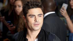 Aktor Zac Efron saat menghadiri pemutaran perdana film 'We Are Your Friends' di Brixton Oval, London, Inggris. Selasa (11/8/2015). (REUTERS/Luke MacGregor)