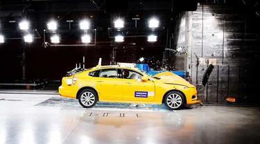 Volvo jadi mobil paling baik dalam rating keselamatan dari IIHS