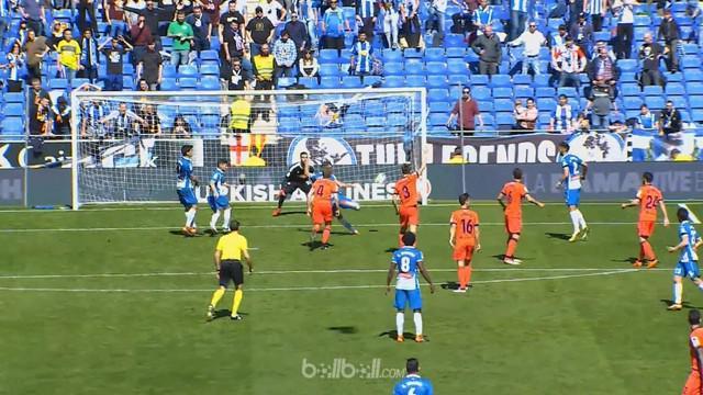 Oscar Duarte takkan bisa melupakan pertandingan ini ketika Espanyol mengalahkan Real Sociedad 2-1, Minggu (11/3). Sang bek memberi...
