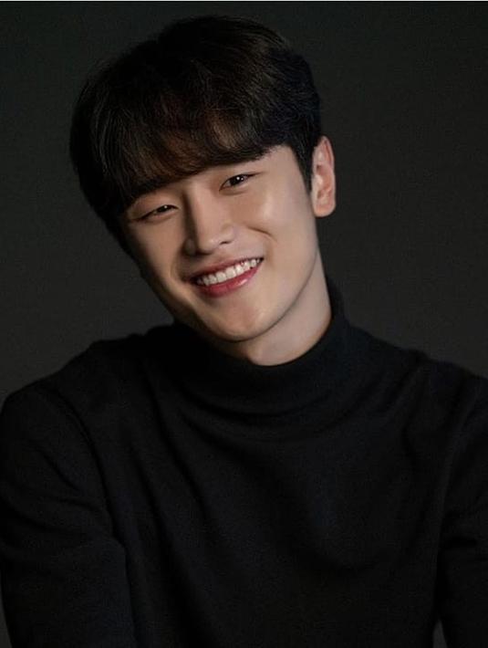 """Kim Do Wan semakin populer berkat perannya sebagai Do Jae Jin di """"My Roomate Is A Gumiho"""". (Foto: Instagram/kimdwan._)"""