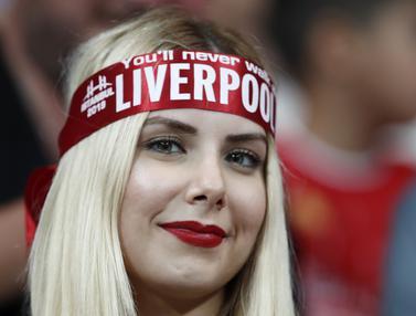 Deretan Fans Cantik Liverpool di Piala Super Eropa 2019