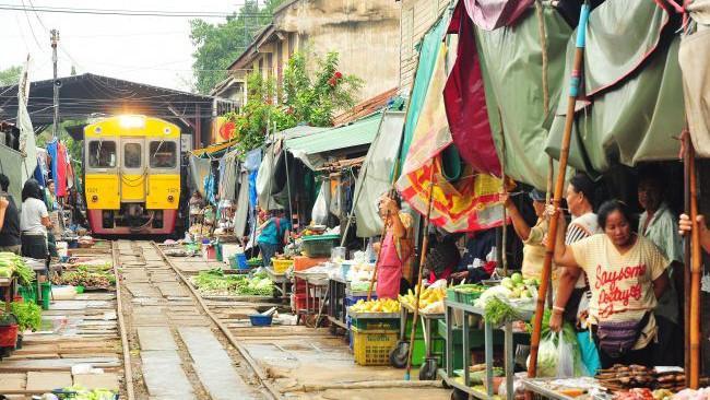 Jalur Kereta Api Maeklong (Thailand)