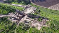 Temuan di Tel Lachisch yang bersejarah berukuran kira-kira 24 x 24 meter dan konsisten dengan pengetahuan historis dan arkeologis tentang Lachisch. (Sumber Guy Fitoussi of Israel Antiquities Authority)