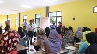 Petugas menemukan 41 calon TKI dari berbagai daerah dari Jawa Barat, Jawa Tengah dan Nusa Tenggara Barat hendak dikirim ke Timur Tengah.