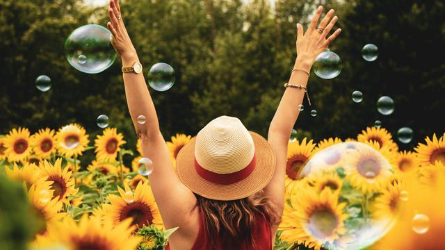 42 Kata Bijak Bahagia Itu Sederhana Beri Ketenangan Hati Dan Pikiran Positif Hot Liputan6 Com
