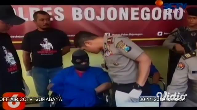 Seorang begal terpaksa dilumpuhkan dengan timah panas, karena melawan dan berusaha melarikan diri saat hendak diringkus anggota Reskrim Polres Pasuruan Jawa Timur. Sebelumnya, enam pelaku lainnya juga terlebih dahulu diringkus.